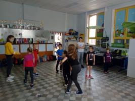 Eerste- en zesdeklassers werken klasdoorbrekend