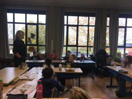 EHBO: we leren over de verzorging van wonden.