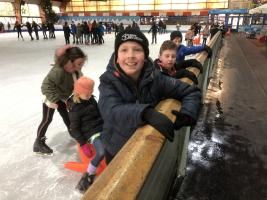 Donderdag 20 februari gingen we schaatsen!