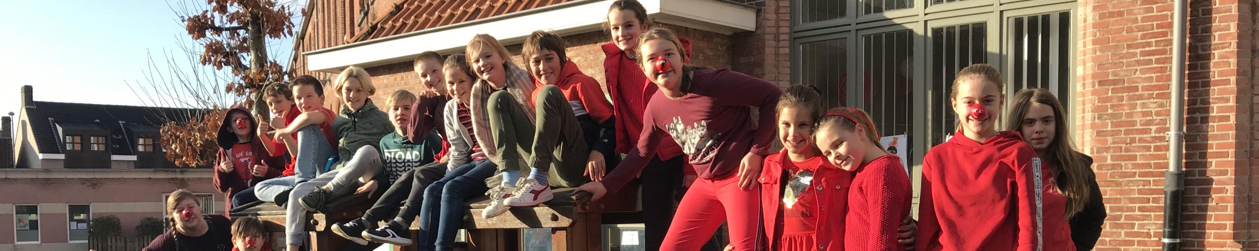 De hele klas kleurde rood voor Rode Neuzen Dag!